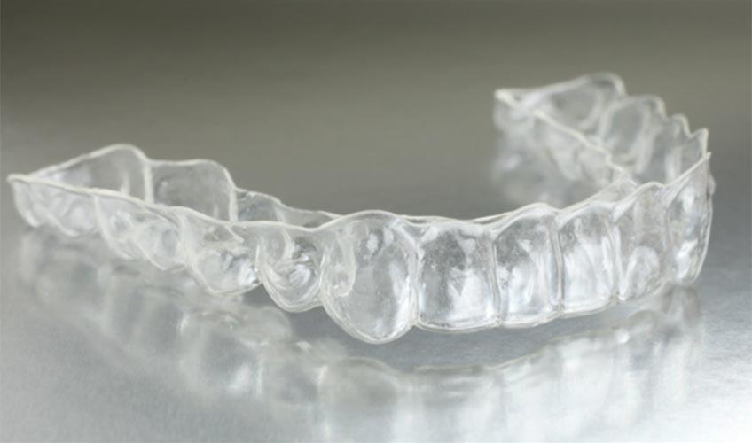 Mascherina ortodonzia invisibile studio odontoiatrico Di Poto